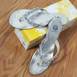 Yellow box silver sandals 8 lori